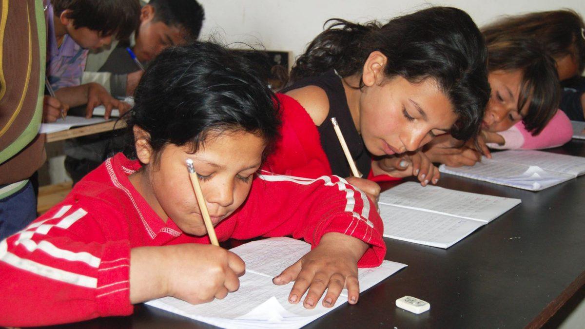 Jenter på skolebenken